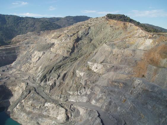 LANDSLIDE-2-PJ-Hanson-Quarry-1987-Landslide